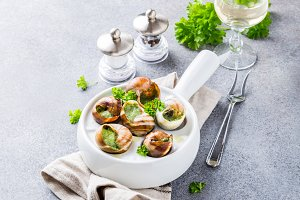 Snails with garlic herbs butter