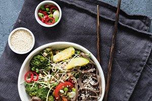 Soba noodles stir fry