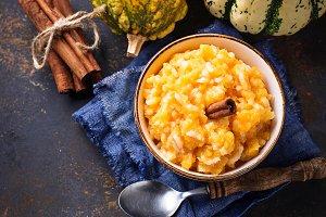 Pumpkin porridge with cinnamon