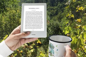 E-Book Reader, MockUp Outdoor