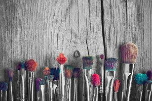 Paint brushes with colorful bristle