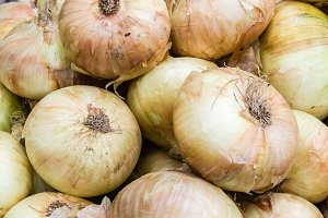 Yellow sweet onions
