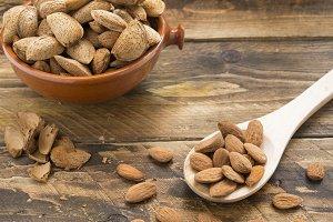 Almond ecologic