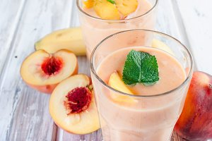 Smoothie with apricot and peach
