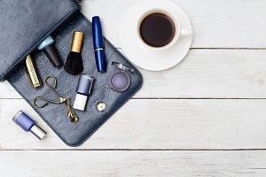 Feminine accessories dark blue