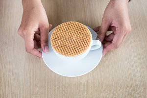 stroopwafel on coffee cup