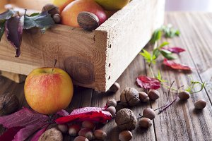 Ingredients for apple pie cooking.