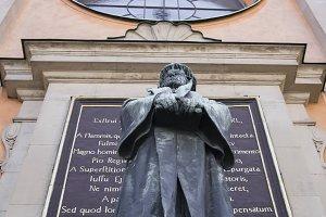 Olaus Petri monument