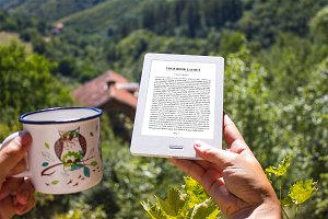 E-Book Reader, MockUp, Outdoor