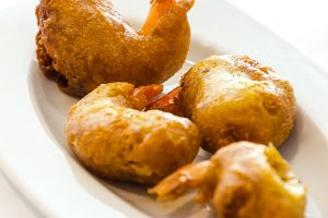 Battered shrimps tapa