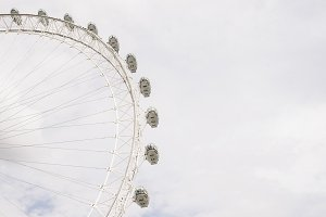Minimalist London Eye