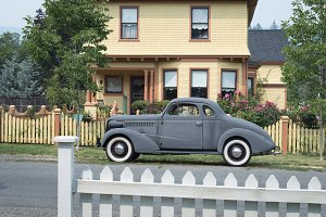 Retro car and home