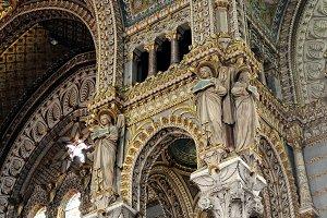 vault and columns Basilica of Notre Dame de Fourviere.jpg