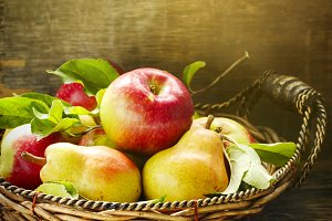 Fresh apples and pears