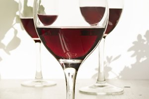 glass of red wine, liquid detail on
