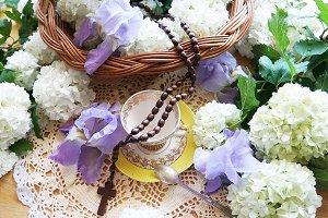 Spring theme invites