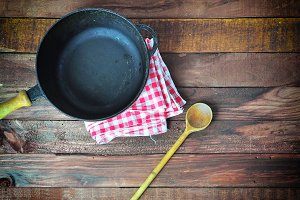 deep cast-iron frying pan