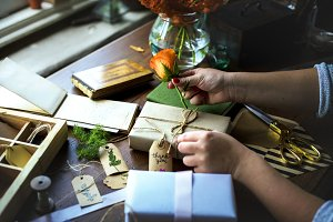 Diy wrapping gift box