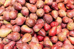 Red pears at the market