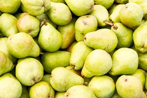Bartlett pears at the market