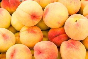 Yellow peaches at the market