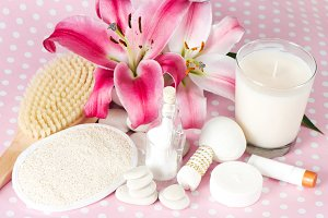 Spa accessories. Pink flowers