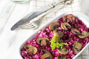 Risotto with mushrooms and beetroot