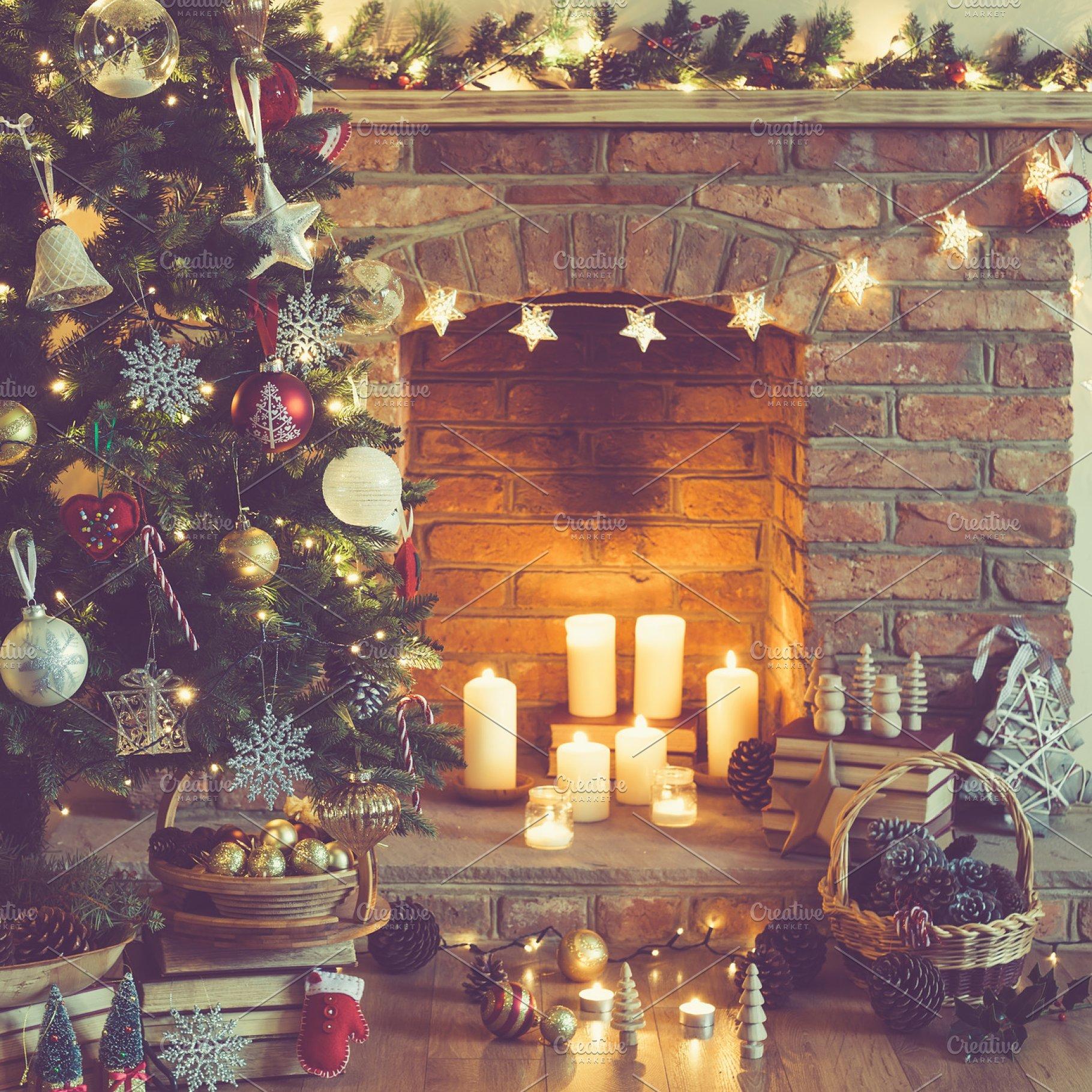 Fireplace Christmas.Christmas Setting Fireplace Candles