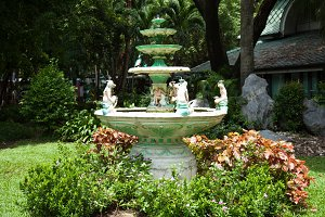 Pot fountain in the park.