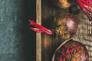 Raw organic purple beetroots