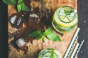 Citrus iced sassi water