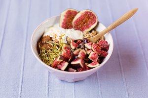 Fig oatmeal breakfast bowl