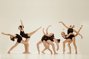 The group of modern ballet dancers