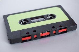 magnetic tape cassette