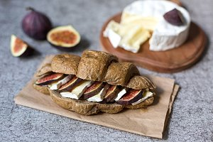 Croissant with brie cheese and figs