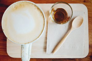 latte coffee on tray with syrup
