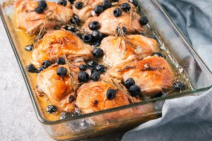 Corsican chicken thighs with rosemary and black olives