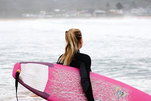 Surfer girl - Ready to go surfing