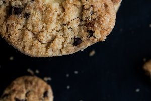 Coconut, chocolate cookies