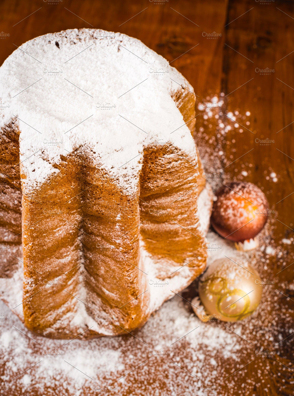 Italian Christmas Cake.Pandoro Italian Christmas Cake