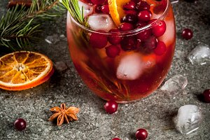Cold cranberry cocktail