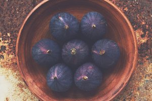 Figs on clay plate