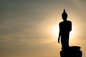 Larger Buddha.