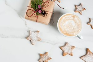 Coffee mug with gingerbread cookies
