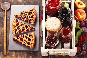 jam and pieces of fruit tart