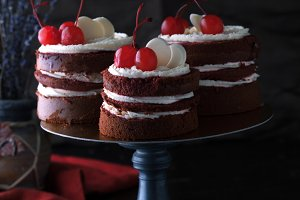 Delicious cake with cherries