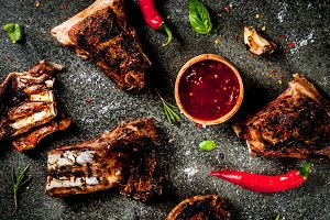 Grilled lamb or beef ribs