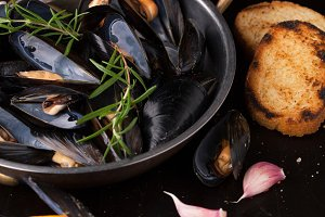 Fresh cooked mussels