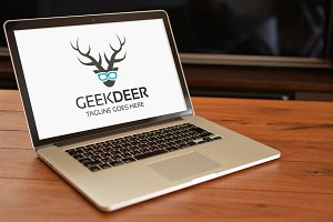 Deer Geek Logo