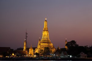 Wat Arun in the evening.
